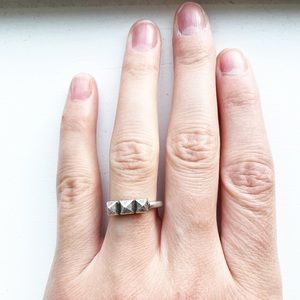 Tarnished silver thin triangle stud ring